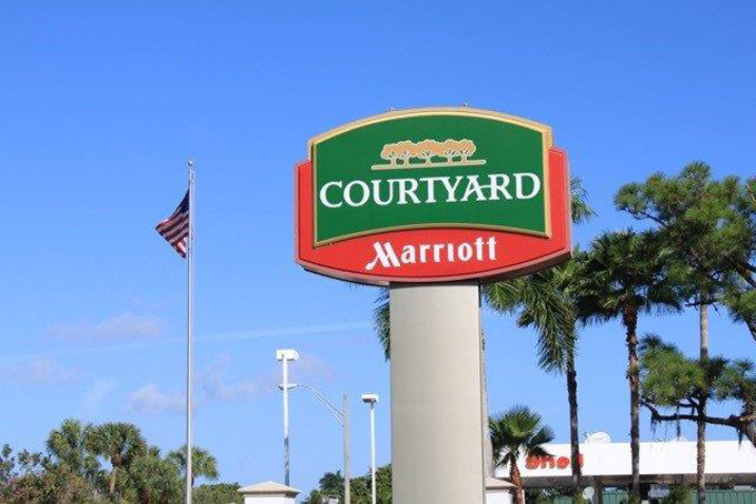 Airport Shuttle to and from Naples Marriott Hotel in and near Florida