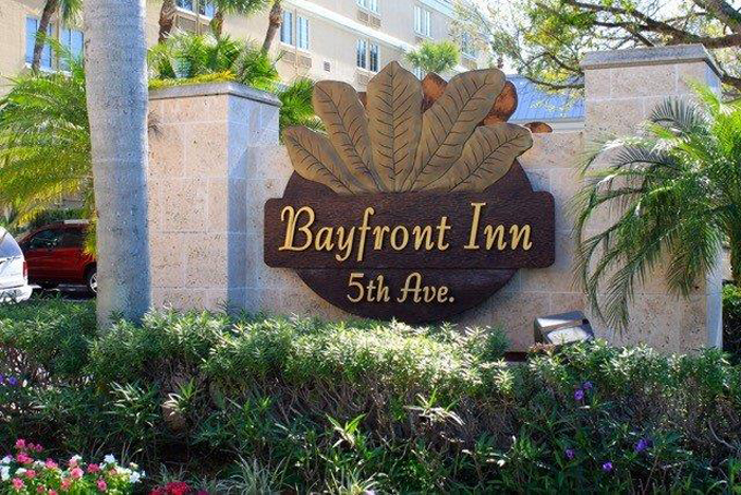 Airport Shuttle to and from Naples Bayfront Inn on 5th Avenue Hotel in and near Florida